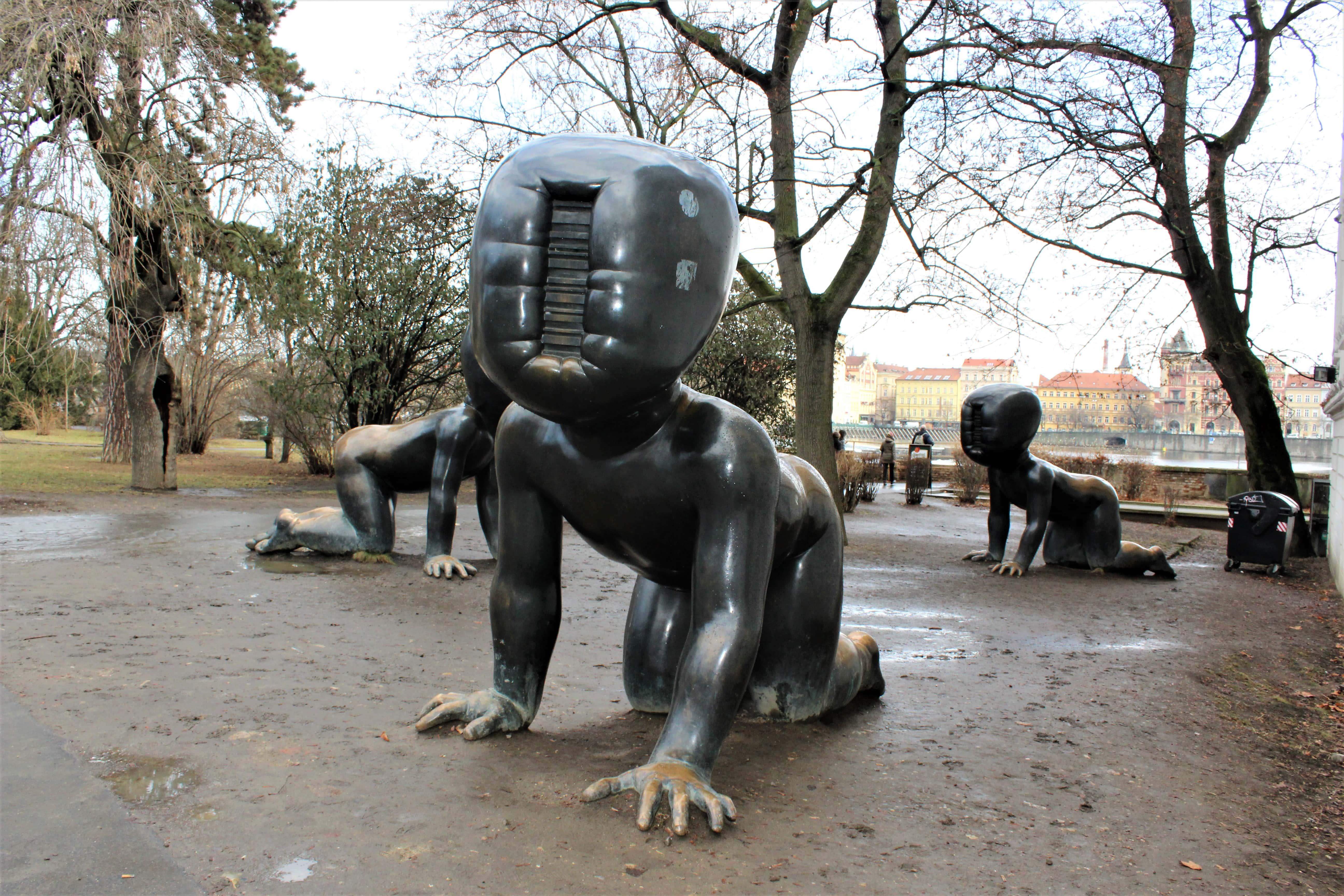 rzeźby avida Černego