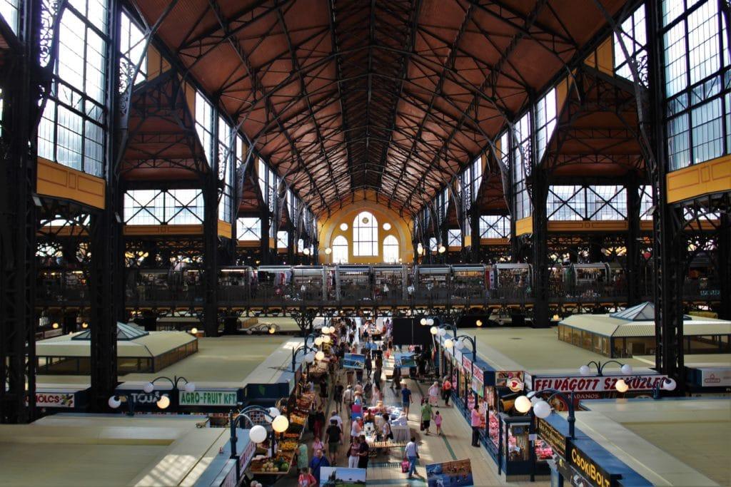 kuchnia wegierska central market hall budapest
