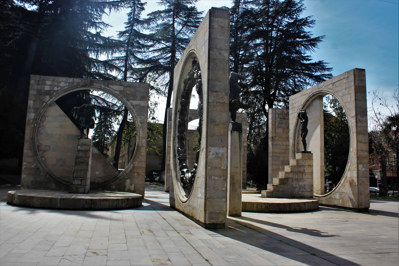 co zwiedzi膰 w Kutaisi?