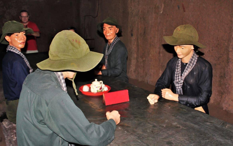 Wietnamczycy w tunelach