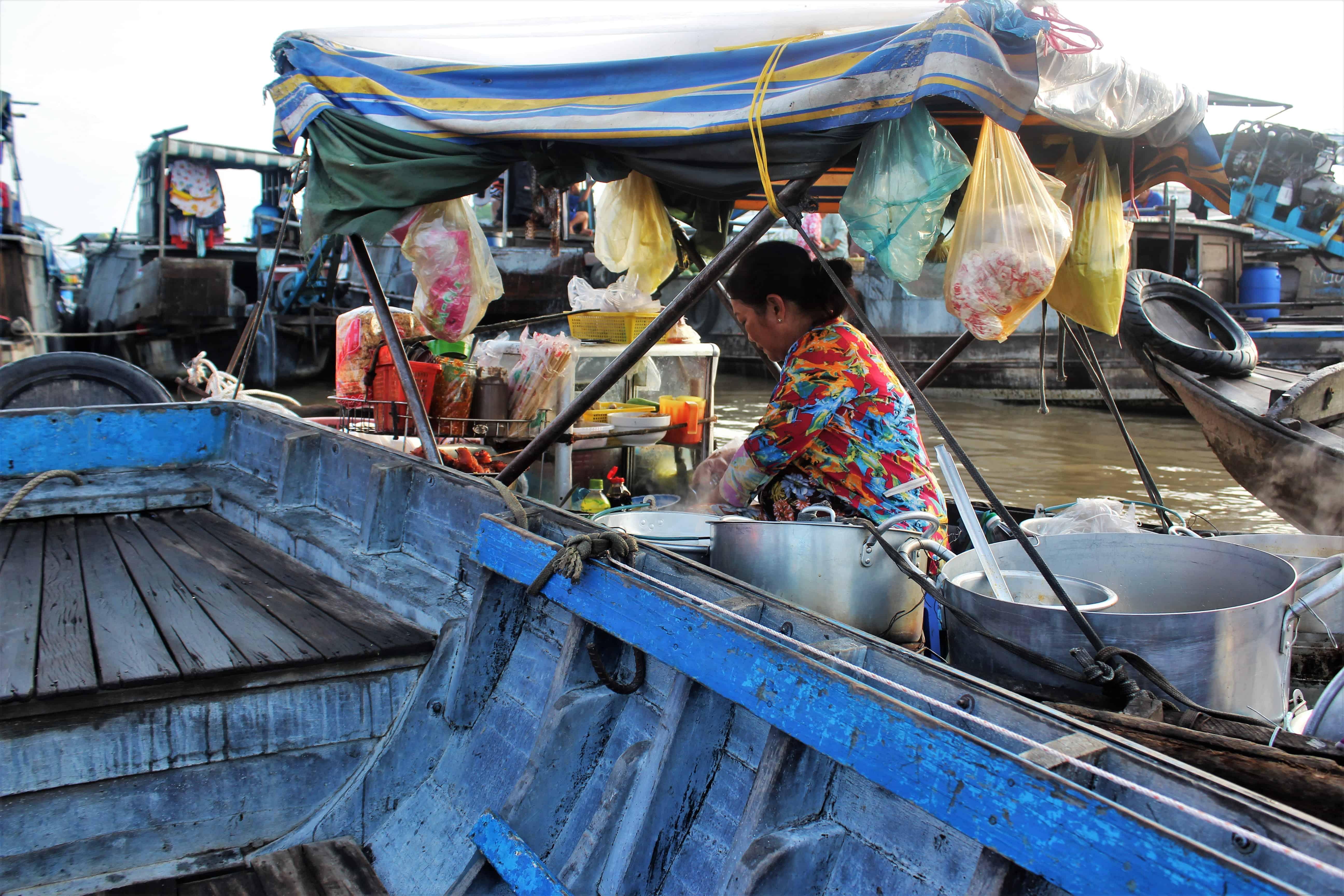 Wietnam pływający targ Phong Diem