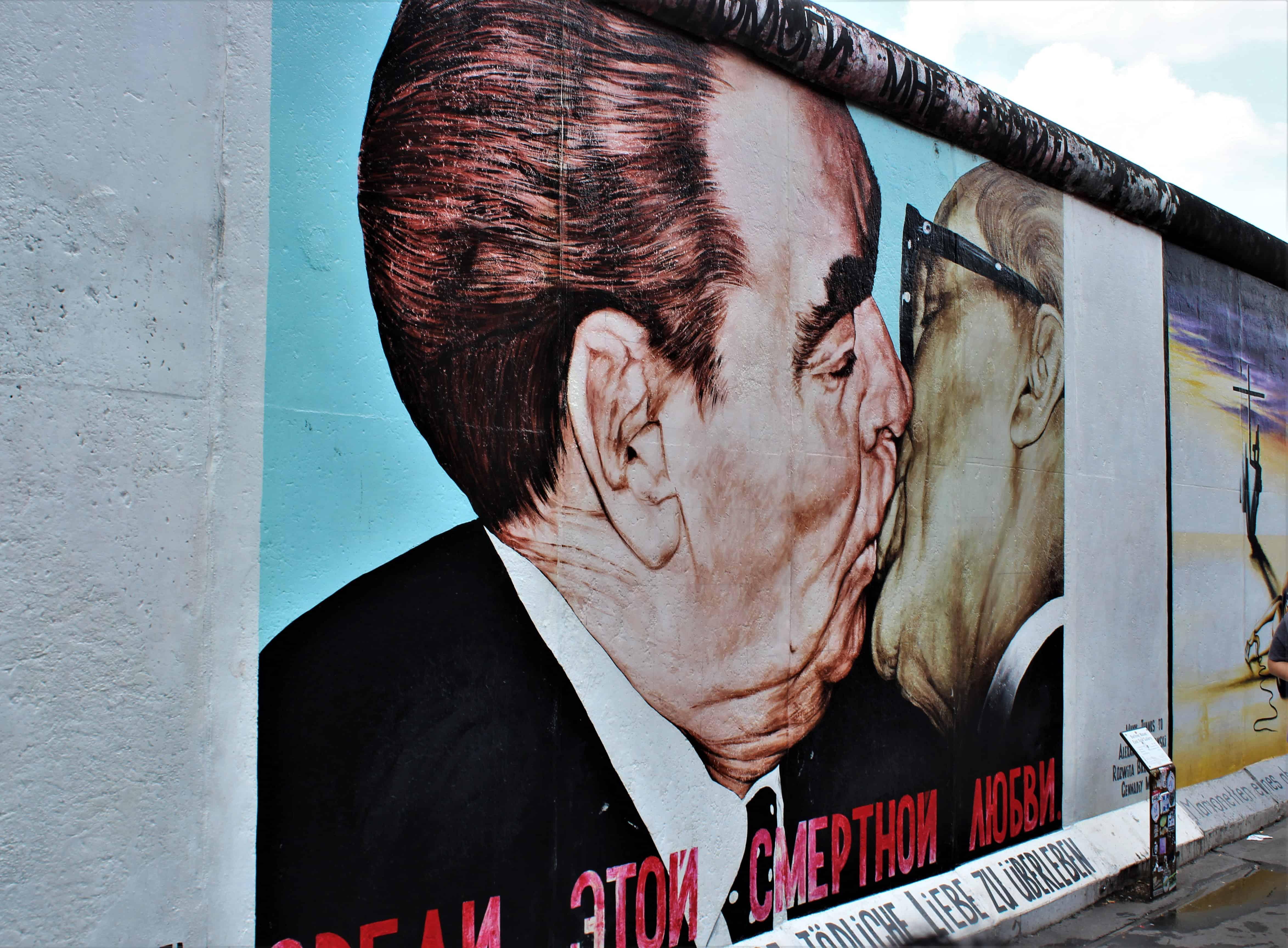 mur berliński pocałunek
