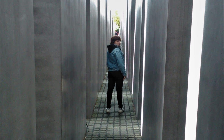 Holocaust manhmal