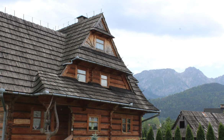 drewniana zabudowa kościelisku